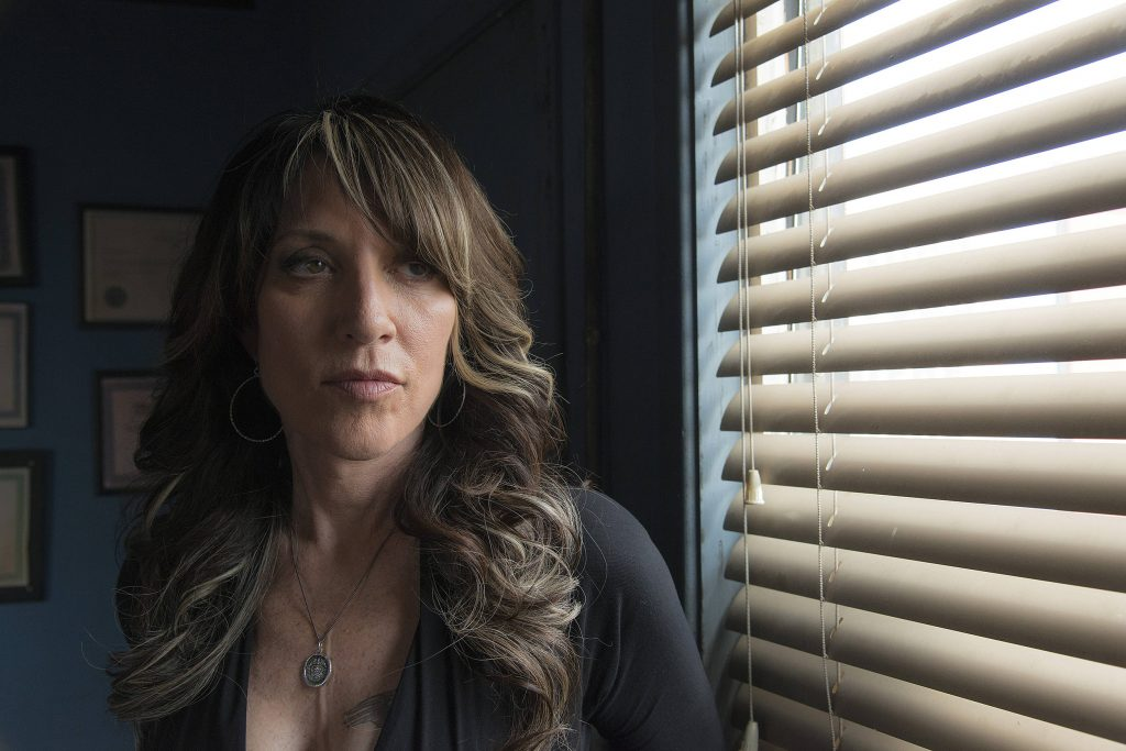 katey sagal fake boobs