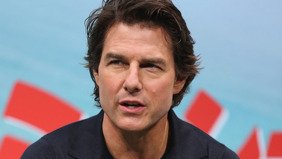 has tom cruise had plastic surgery